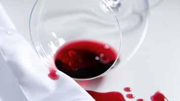 Rode wijn vlekken verwijderen op hout